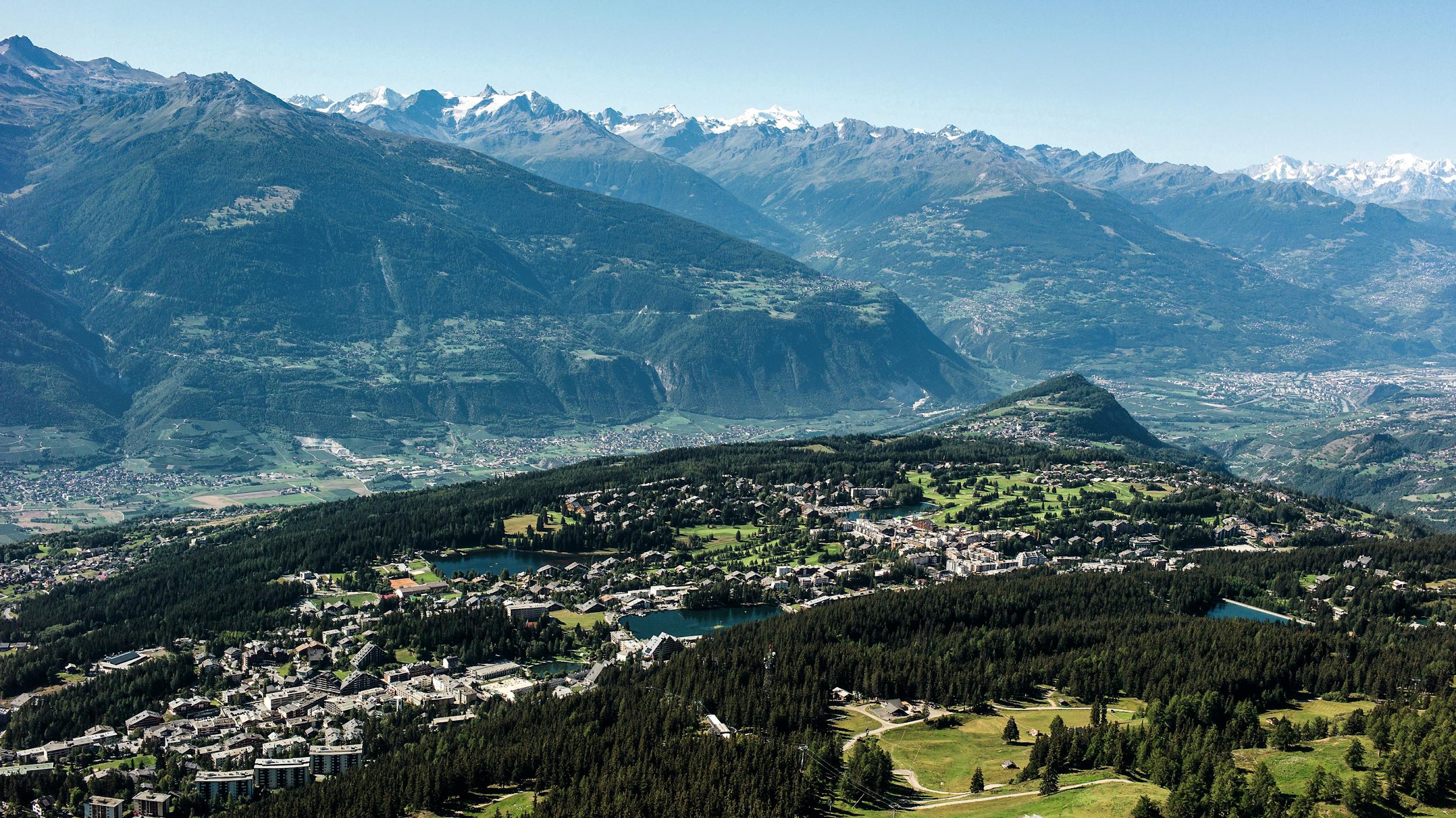 Cran montana mountain view