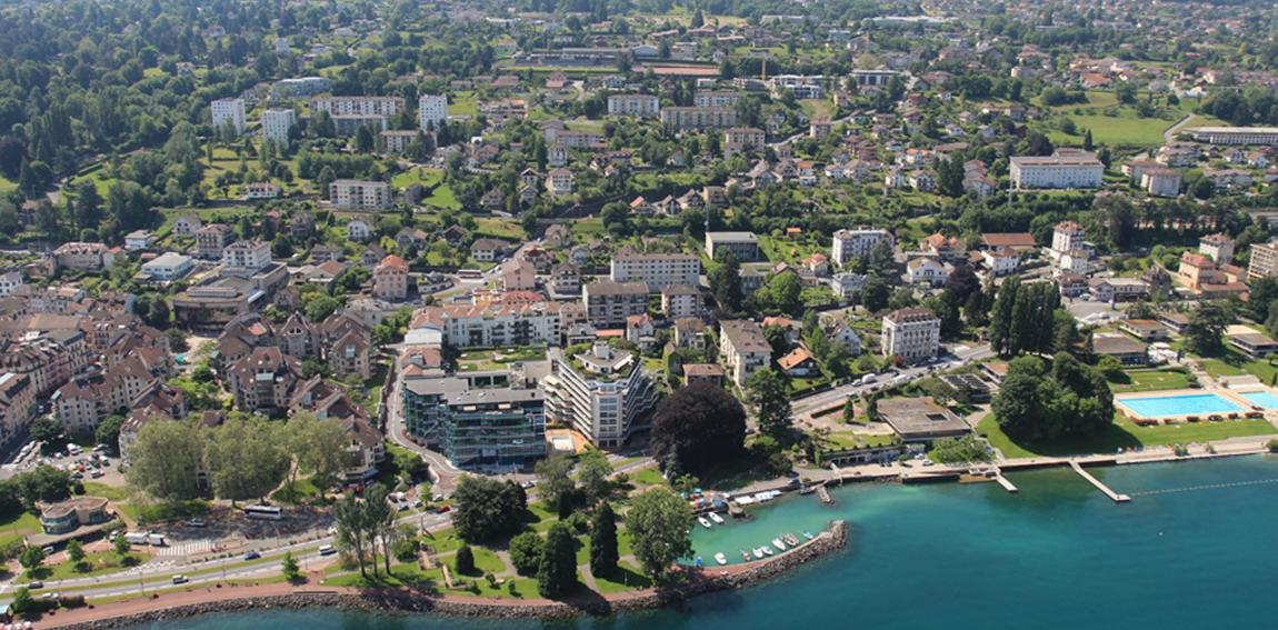 Evian - les - Bains lake